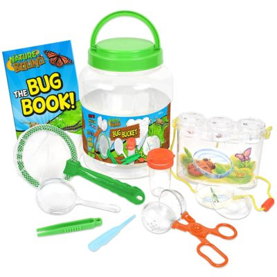 This is an image of a 7 piece bug catcher set for kids.