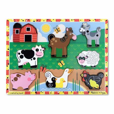 This is an image of a 8 piece animal farm puzzle for little kids.