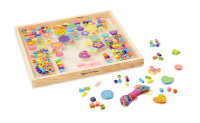 This is an image of a deluxe wooden bead set for kids by Melissa & Doug.